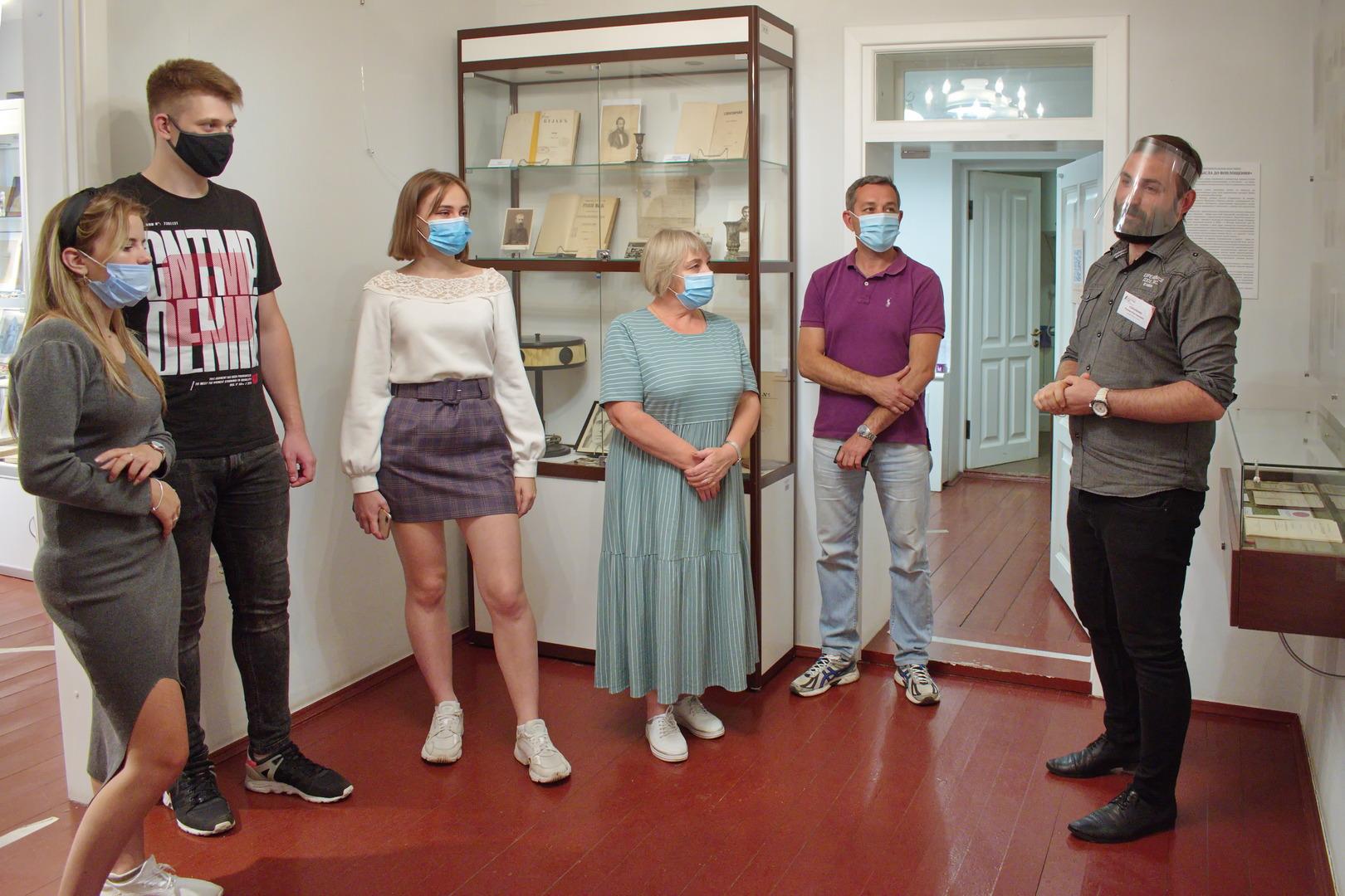 Выставка КНИГА ОТ ЗАМЫСЛА ДО ВОПЛОЩЕНИЯ001