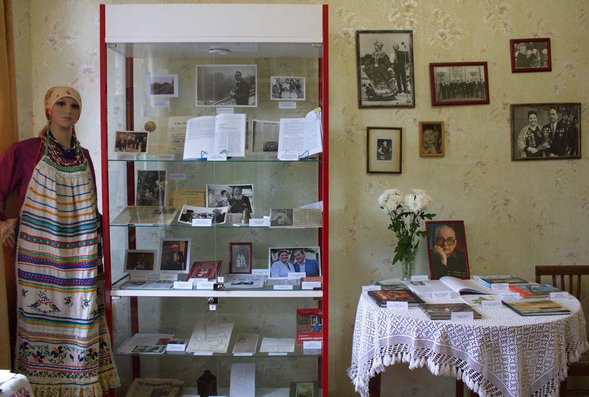 Выставка памяти Ефремова006