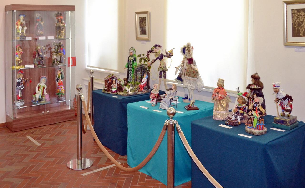 Выставка кукол в усадьбе002