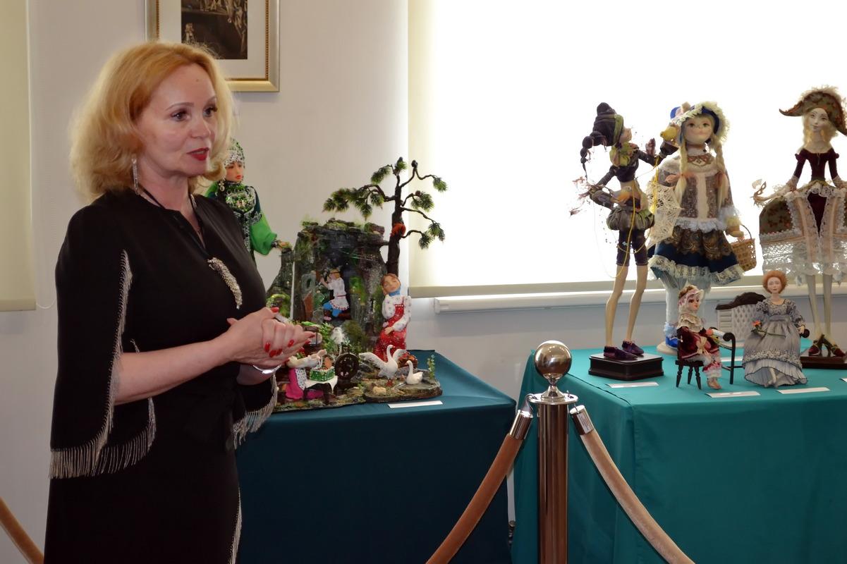 Выставка кукол в усадьбе005