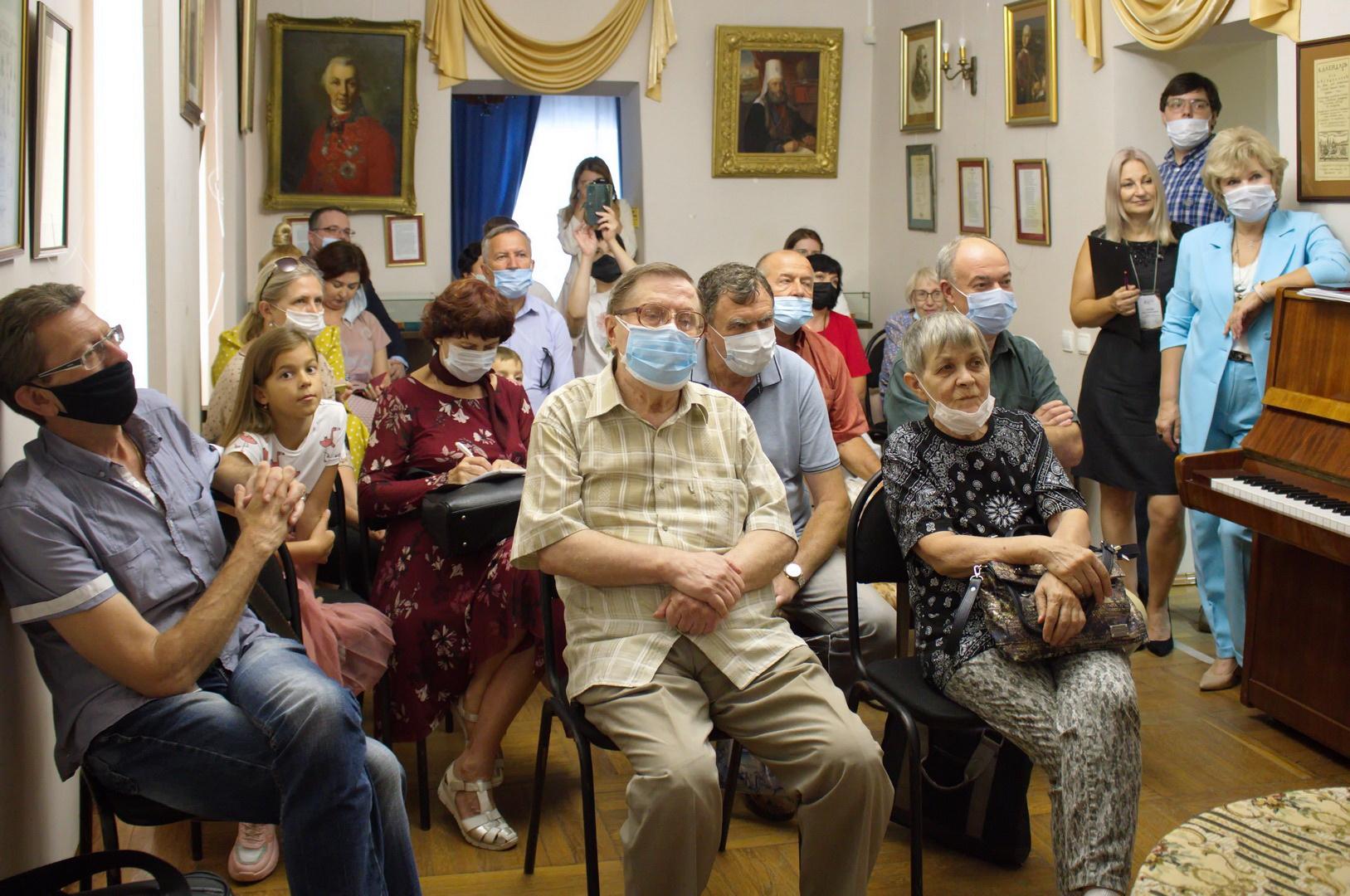 Выставка Троепольского014